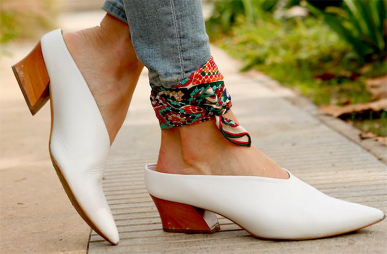 Pañuelo al tobillo: la nueva forma de llevar este accesorio
