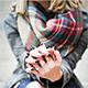 """El """"boom"""" del invierno: el foulard escocés"""