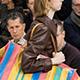 "La bolsa de compras a rayas está ""de moda"""